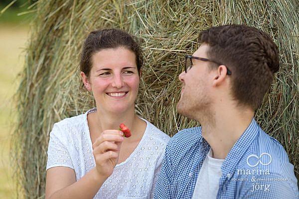 Paar-Fotoshooting in Marburg mit den Hochzeits-Fotografen Marina und Jörg aus Gladenbach