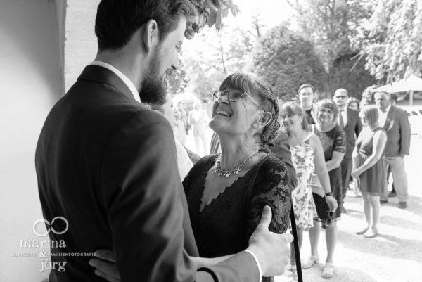 Mit einer Hochzeitsreportage lassen sich all die herzlichen Momente einer Hochzeit für immer festhalten - Hochzeitsfotograf Wetzlar
