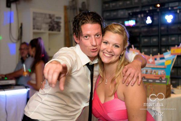 Marina und Joerg, Hochzeitsfotograf Giessen: Gaeste bei der Hochzeitsparty