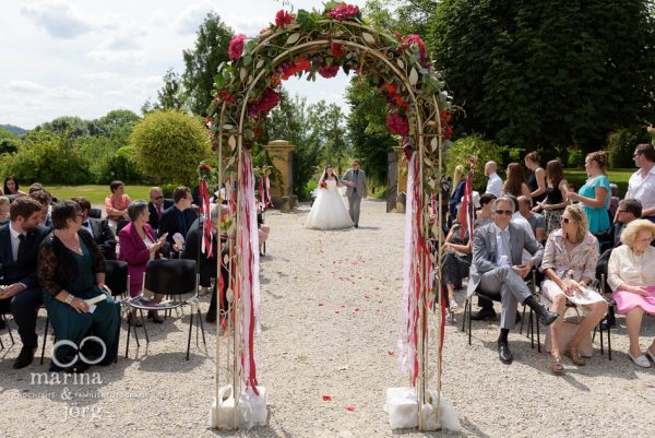 Marina und Jörg, Hochzeitsfotografen-Paar aus Gießen: Freie Trauung auf Schloss Münchenwiler bei Bern