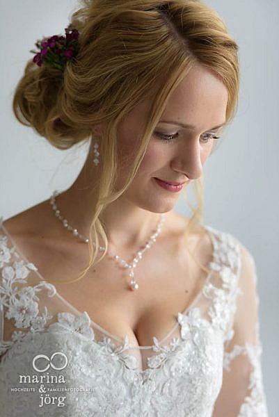 Marina & Jörg - Hochzeitsfotografie Laubach: Portrait der Braut