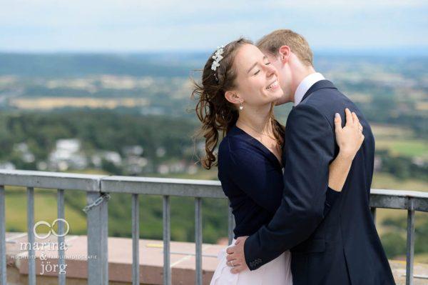 Hochzeitsfoto von einem Brautpaar auf Burg Gleiberg bei Giessen