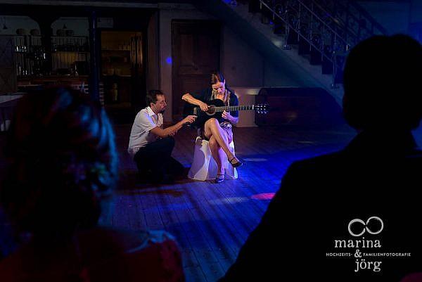 Gesangseinlage am späten Abend bei einer Hochzeit in Laubach (Landhotel Waldhaus)