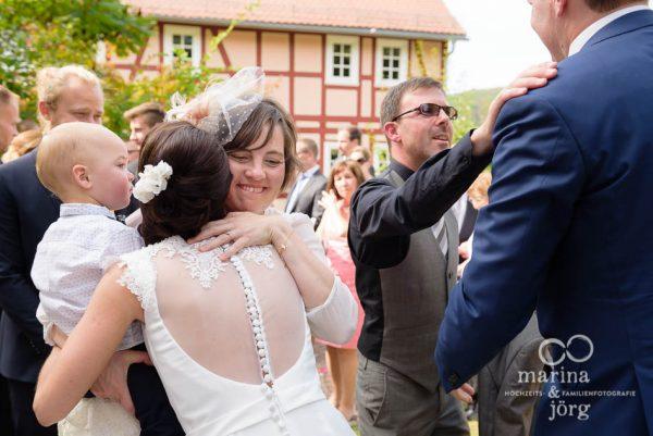 Hochzeitsreportage in Marburg: Gratulation der Hochzeitsgaeste