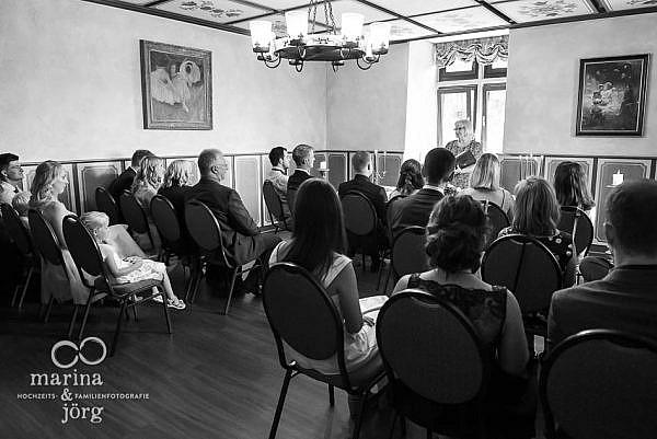 Hochzeitsfotograf Gießen - Trauung im Standesamt der Burg Staufenberg bei Gießen