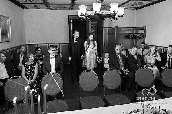 Marina und Jörg, Hochzeitsfotografen aus Hessen: Hochzeitsreportage der standesamtlichen Trauung