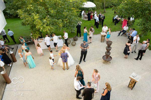 Hochzeitsfotograf Wetzlar: Gaeste beim Sektempfang