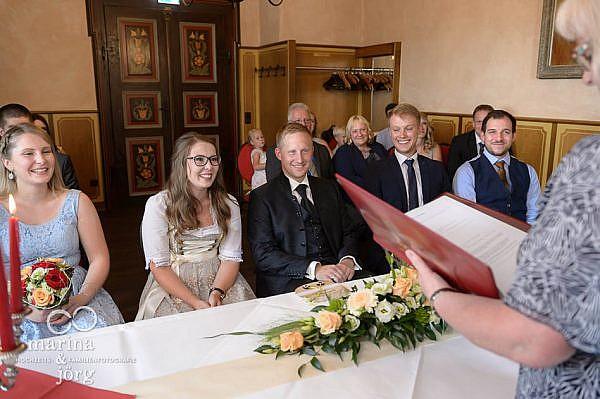 Hochzeit im Standesamt auf Burg Staufenberg bei Gießen