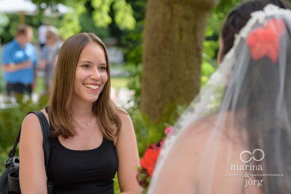 Hochzeitsreportage: Eindrücke beim Sektempfang nach der Hochzeit