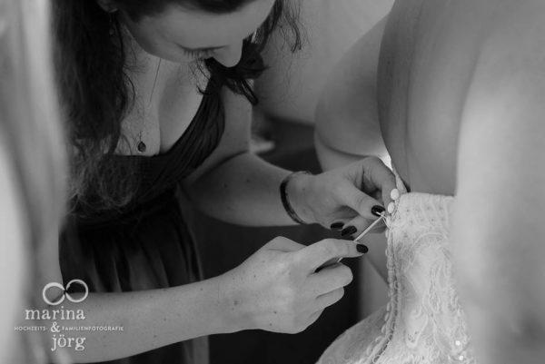 Hochzeitsfotograf Gießen: Hochzeitsreportage in Bern - Getting-Ready der Braut