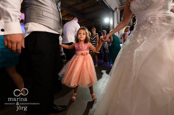 Hochzeitsfotograf Giessen: Kinder bei der Hochzeitsparty - ganztaegige Hochzeitsreportage