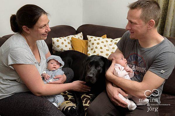 ungestellte Neugeborenenfotos bei einer Homestory in der Nähe von Wetzlar