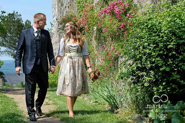 Marina und Jörg, Hochzeitsfotografen für eure Hochzeit in Gießen: romantische Hochzeitsfotos (Burg Staufenberg)