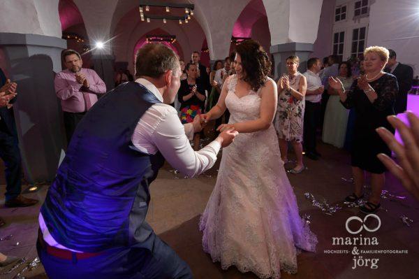 Marina & Jörg, Fotografen-Paar für eure Hochzeit in Butzbach: Hochzeitstanz im Schloss Butzbach bei Gießen