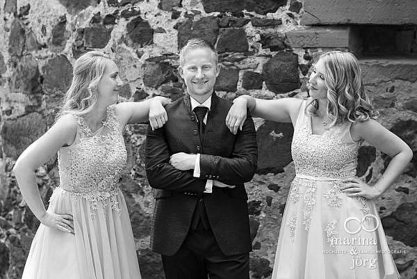 Gruppenfoto bei einer Hochzeit auf Burg Staufenberg bei Gießen - Hochzeitsfotografie Marina & Jörg