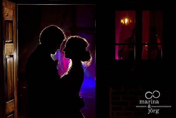 Hochzeitsfotografen-Paar Marina und Jörg aus Gießen: ganztägige Hochzeitsreportage in der Eventscheune im Landhotel Waldhaus, einer angesagten Hochzeits-Location in der Nähe von Gießen