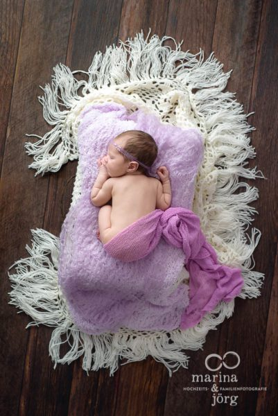 Marina und Jörg, Baby-Fotografen aus Gießen: professionelle Babyfotos bequem zu Hause (Babygalerie Gießen)