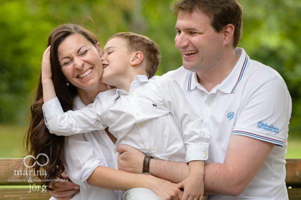 Marina und Joerg, Familienfotograf Wetzlar: Spass beim Familien-Fotoshooting