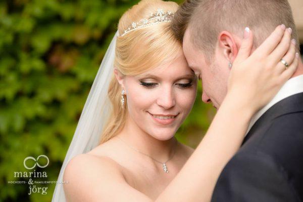 Marina und Joerg, Fotografen-Paar Giessen: moderne Hochzeitsfotos im Schloss Rauischholzhausen bei Marburg