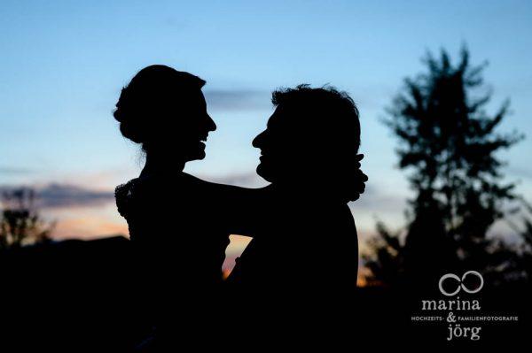 Marina und Joerg, Hochzeitsfotografen Giessen: kreative Hochzeitsfotos in Marburg - Eventscheune Dagobertshausen