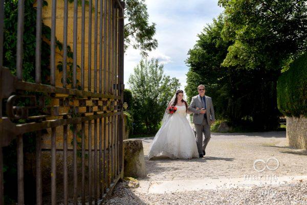 Freie Trauung auf Schloss Münchenwiler bei Bern - Hochzeitsfotografen-Paar Marina und Jörg aus Gießen