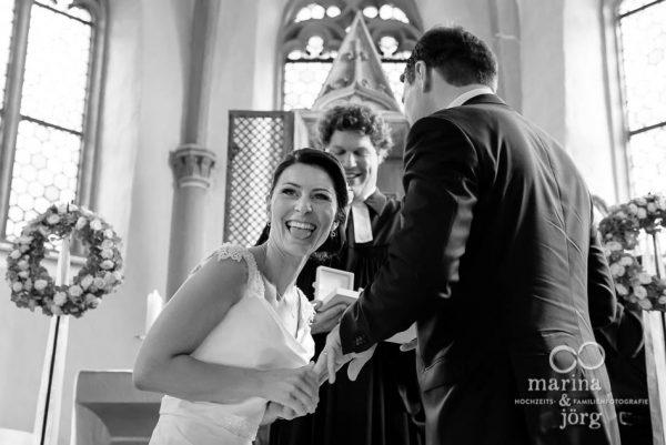 Marina und Joerg, Hochzeitsfotografen Marburg: einzigartiger Moment waehrend einer Hochzeit in Marburg