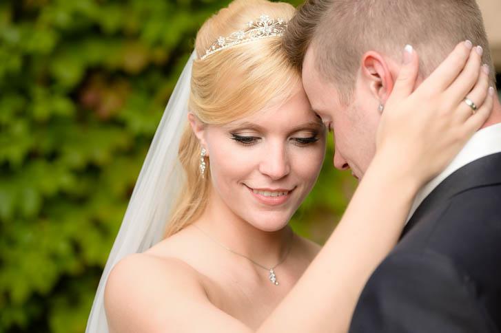 Marina und Joerg, Fotografen-Paar Giessen: romantische Hochzeitsfotos Schloss Rauischholzhausen bei Marburg