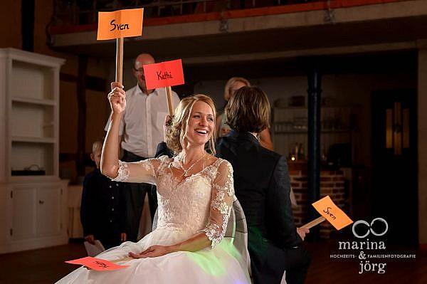 Hochzeitsspiel bei einer Hochzeit in der Eventscheune des Landhotel Waldhaus in Laubach, einer tollen Location für Hochzeiten im Raum Gießen