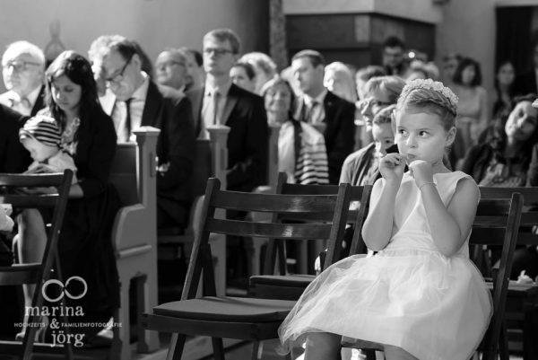 Marina und Joerg, Fotografen in Giessen: Bei einer Hochzeitsreportage werden auch die wichtigen kleinen Nebenschauplaetze einer Hochzeit in einzigartigen Hochzeitsbildern festgehalten