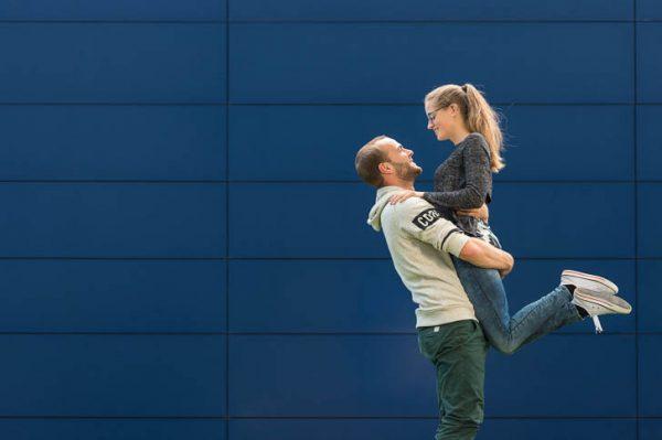 Marina und Jörg, Fotografen-Paar aus Gießen: moderne Paarfotos in Gießen