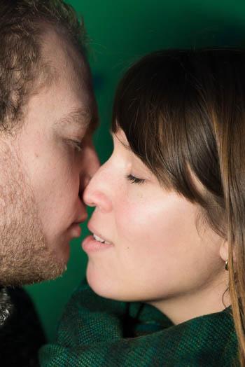 Marina und Jörg, Fotografenpaar aus Gießen: moderne Paarfotos bei einem lockeren Paar-Shooting