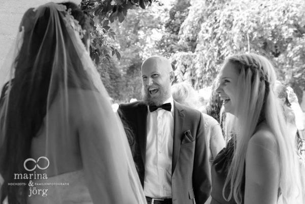 Hochzeits-Fotograf Gießen: Die Gratulationen sind bei Hochzeiten oft die herzlichsten Momente