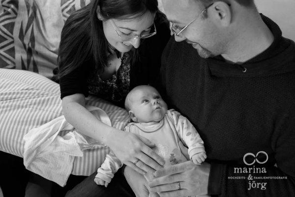 natürliche Babyfotografie in Butzbach: ungestellte Babyfotos halten Erinnerungen an diese einzigartige Zeit fest