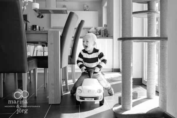 Eine Familienreportage bei Gießen: natürliche Kinderfotos - lebendige Erinnerungen für die Ewigkeit