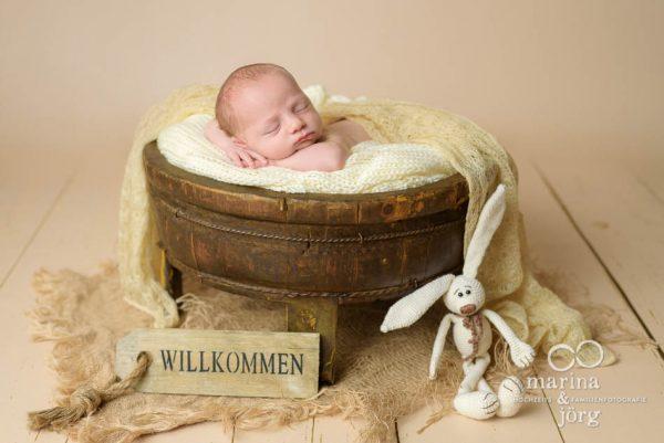 Neugeborenen-Fotograf Wetzlar: Baby-Fotoshooting bequem zu Hause - Babygalerie Gießen