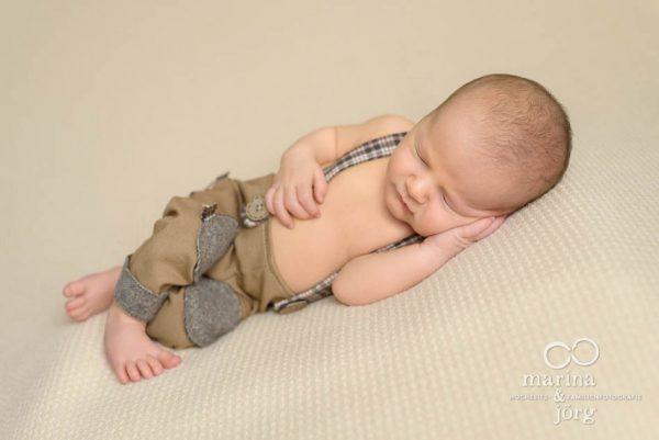 Neugeborenenfoto entstanden bei einem professionellen Neugeborenen-Fotoshooting in Gießen - Babygalerie