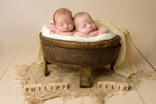 Babyfoto von Zwillingen entstanden bei einem Neugeborenen-Fotoshooting in Gießen