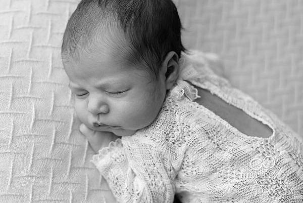 Babygalerie Marburg: Bild aus einem Neugeborenen Fotoshooting - Babygalerie Marburg