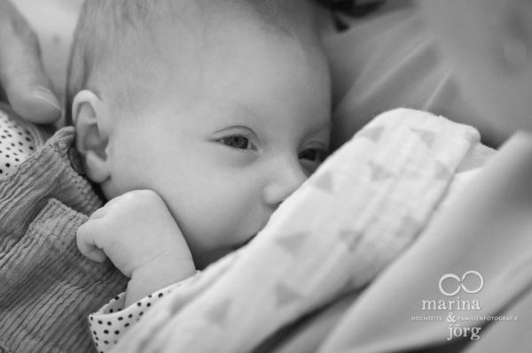 Babyfotografen für Marburg - eine Neugeborenen-Homestory als Erinnerung an die einzigartige Zeit nach der Geburt