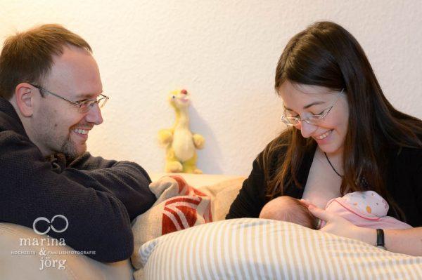 Babyfotografie Gießen - Homestory mit einem Neugeborenen - unbezahlbare Momente festhalten