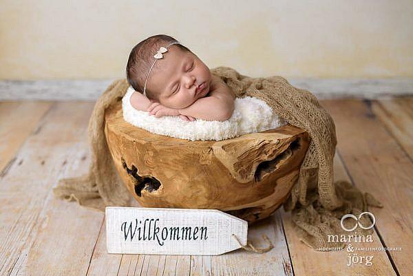 mobiler Babyfotograf Marburg - professionelle Neugeborenenfotos entspannt zu Hause machen lassen