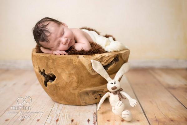 Marina und Jörg - Babygalerie: Neugeborenenfoto bei einer Familie in der Nähe von Gießen