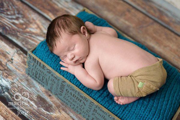 Neugeborenenfotograf Gießen - Babygalerie: Bild entstanden bei einem professionellen Newborn-Fotoshooting bequem zu Hause