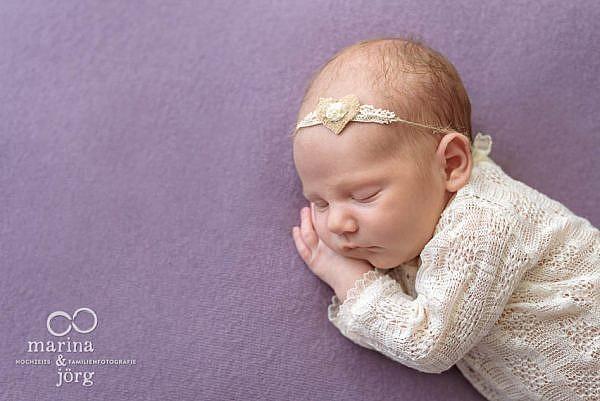 Marina & Jörg, Neugeborenenfotografen für den Raum Marburg: Neugeborenenfoto unserer Babygalerie