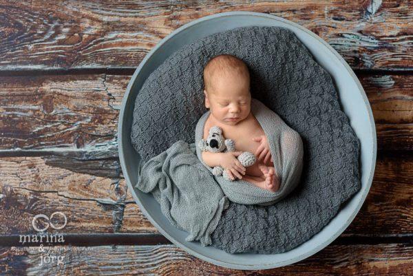 Marina & Jörg, Babyfotografen aus Gießen - moderne Neugeborenenfotografie