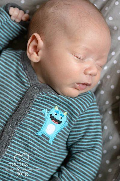 Newborn Homestory bei Wetzlar - natürliche Babyfotos ohne Schnickschnack