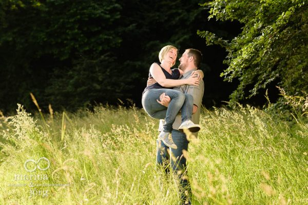 Marina und Joerg, Hochzeits-Fotografen Giessen: Paar-Fotoshooting mit Spassgarantie