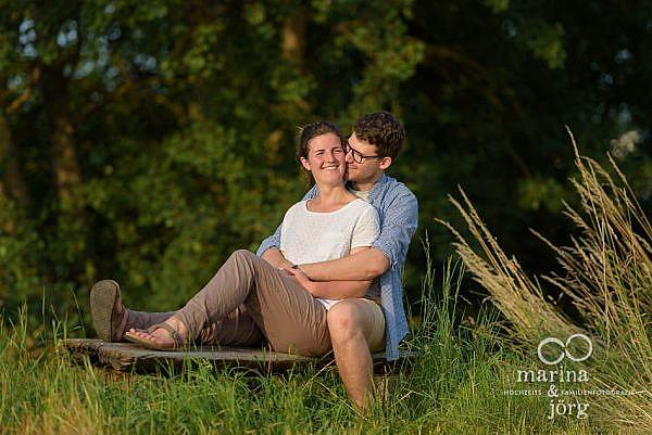 Paar-Fotoshooting bei Marburg mit den Hochzeitsfotografen Marina und Jörg aus Gladenbach - Engagement-Session / Kennenlern-Fotoshooting