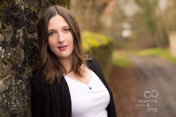 Hochzeitsfotograf Gießen: natürliche Portraitfotos (Visagistin: In Balance Kosmetik- und Wellness-Lounge)