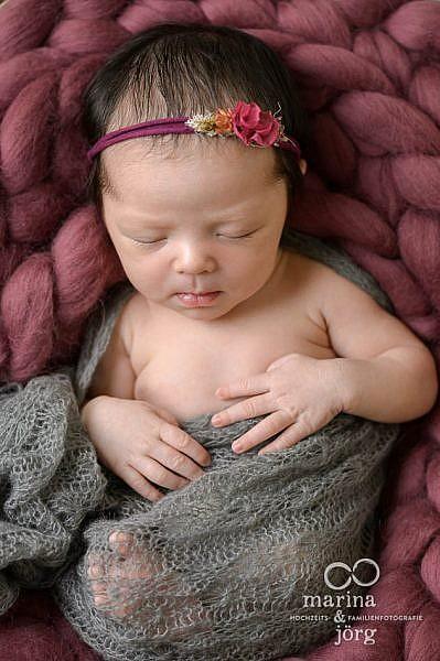 Babygalerie Gießen: professionelle Babyfotos zu Hause machen lassen